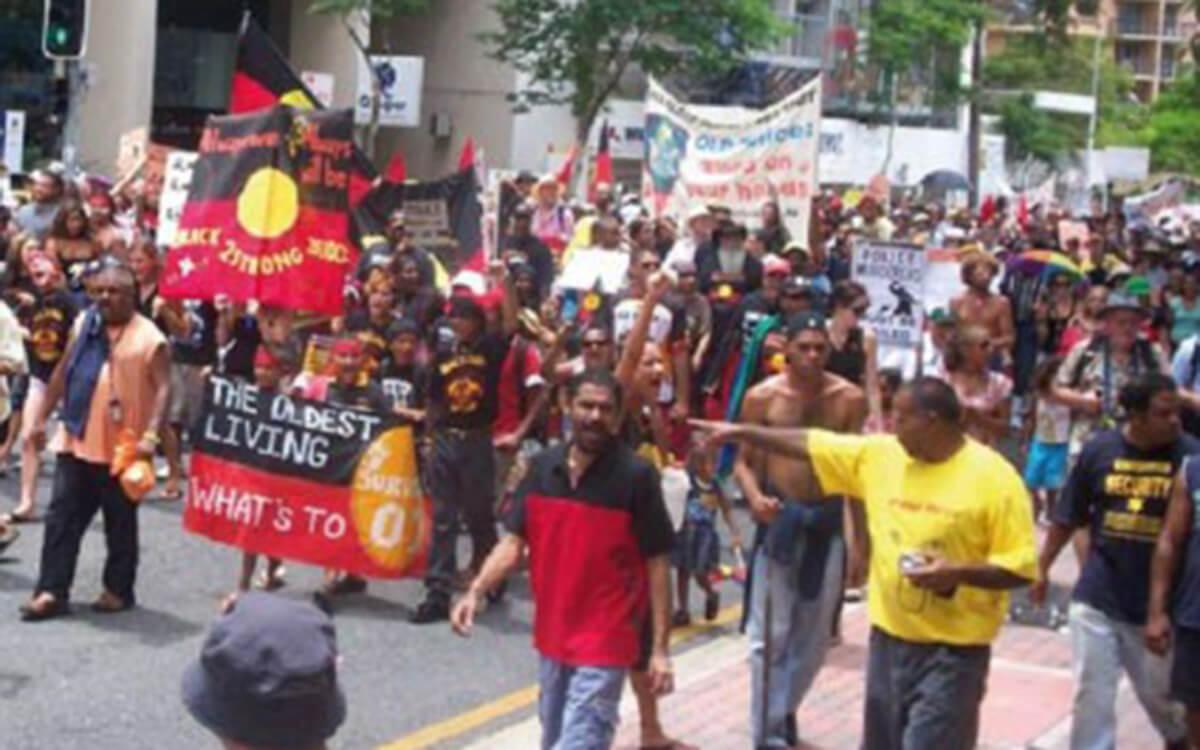 Aborigines protestieren während des 200-jährigen Jubiläums der europäischen Besiedlung