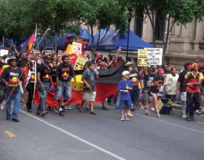 Weltneugier: Protestmarsch der australischen Ureinwohner