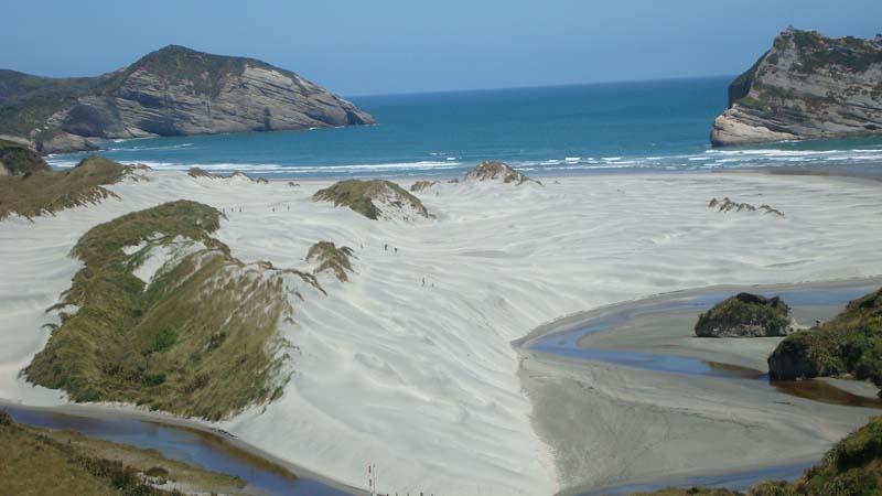Der Golden Bay Beach