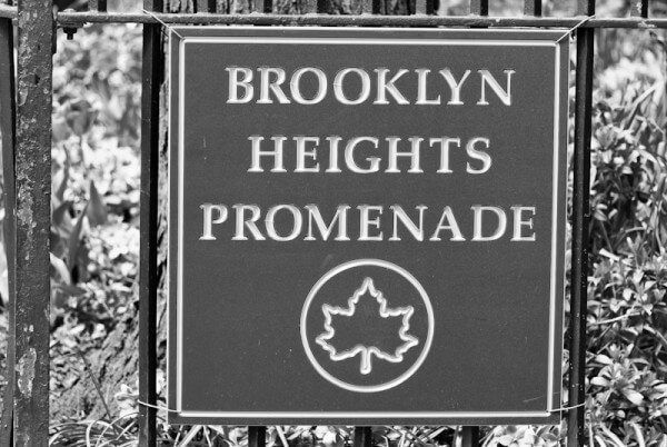 Schild der Brooklyn Heights Promenade