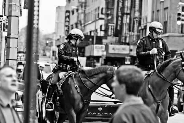 Polizisten zu Pferd in New York