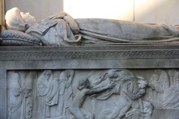 Ein Grab in Père Lachaise