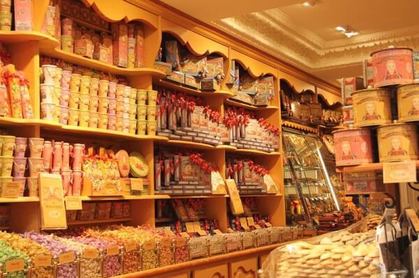 Pariser Süßigkeitenladen