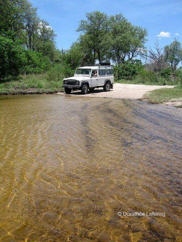 Weltneugier: Botswana - Flussdurchfahrt