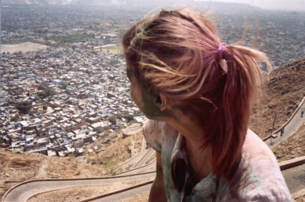 Cindy mit Blick auf Jaipur