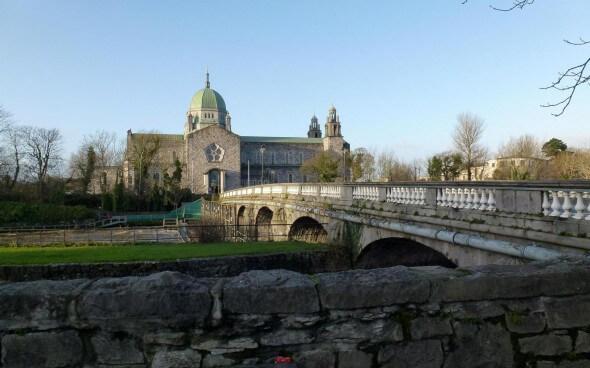 Blick auf die Galway Cathedral