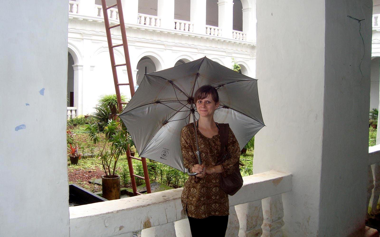 Jenny mit Schirm