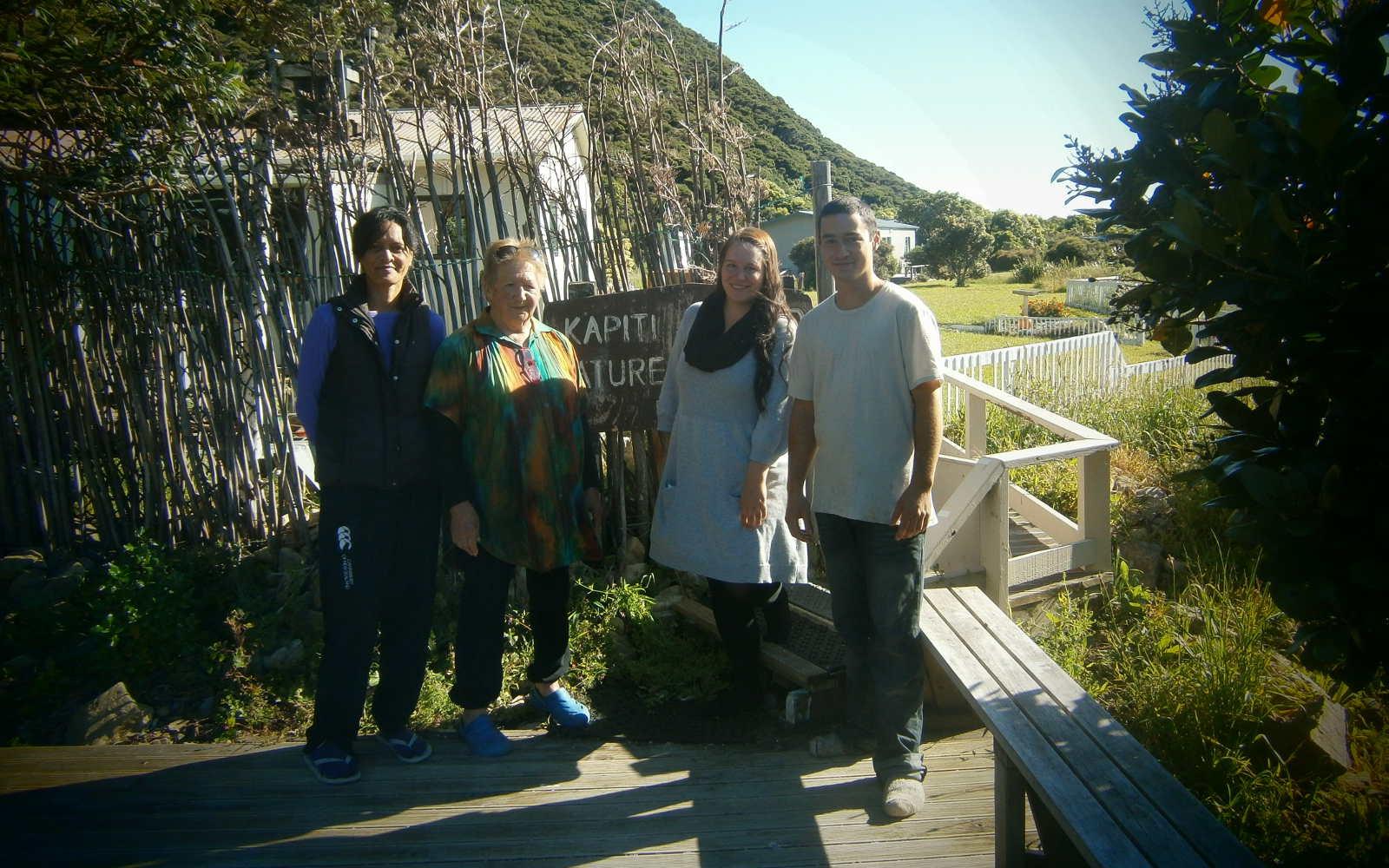 Jana und Freunde am »Eingang« zu Kapiti Island