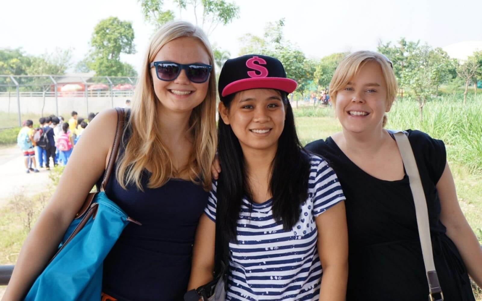 Hanna mit ihren Freundinnen in China