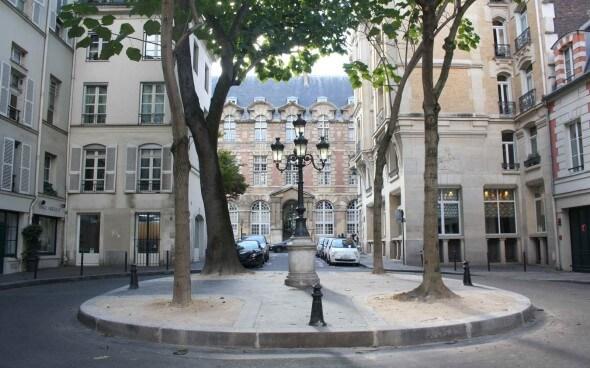 Paris: Place Furstemberg