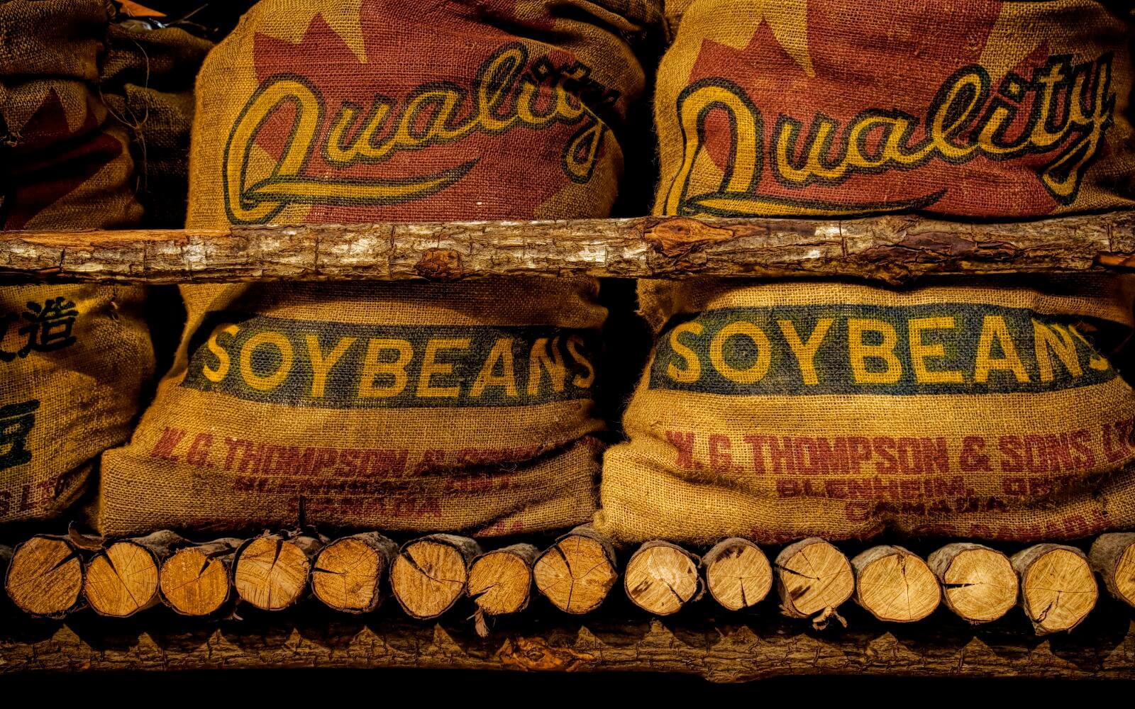 Säcke voller Sojabohnen