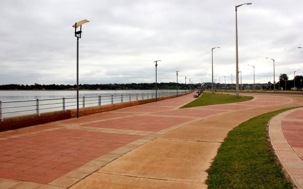 Lateinamerika: Küstenabschnitt in Encarnación