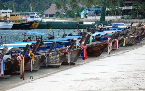 Boote am Kho Phi Phi