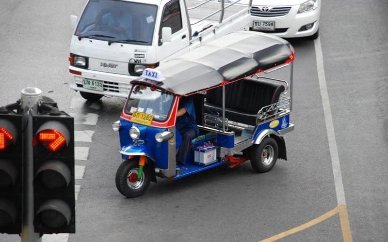 Tuk Tuk in den Straßen Bangkoks
