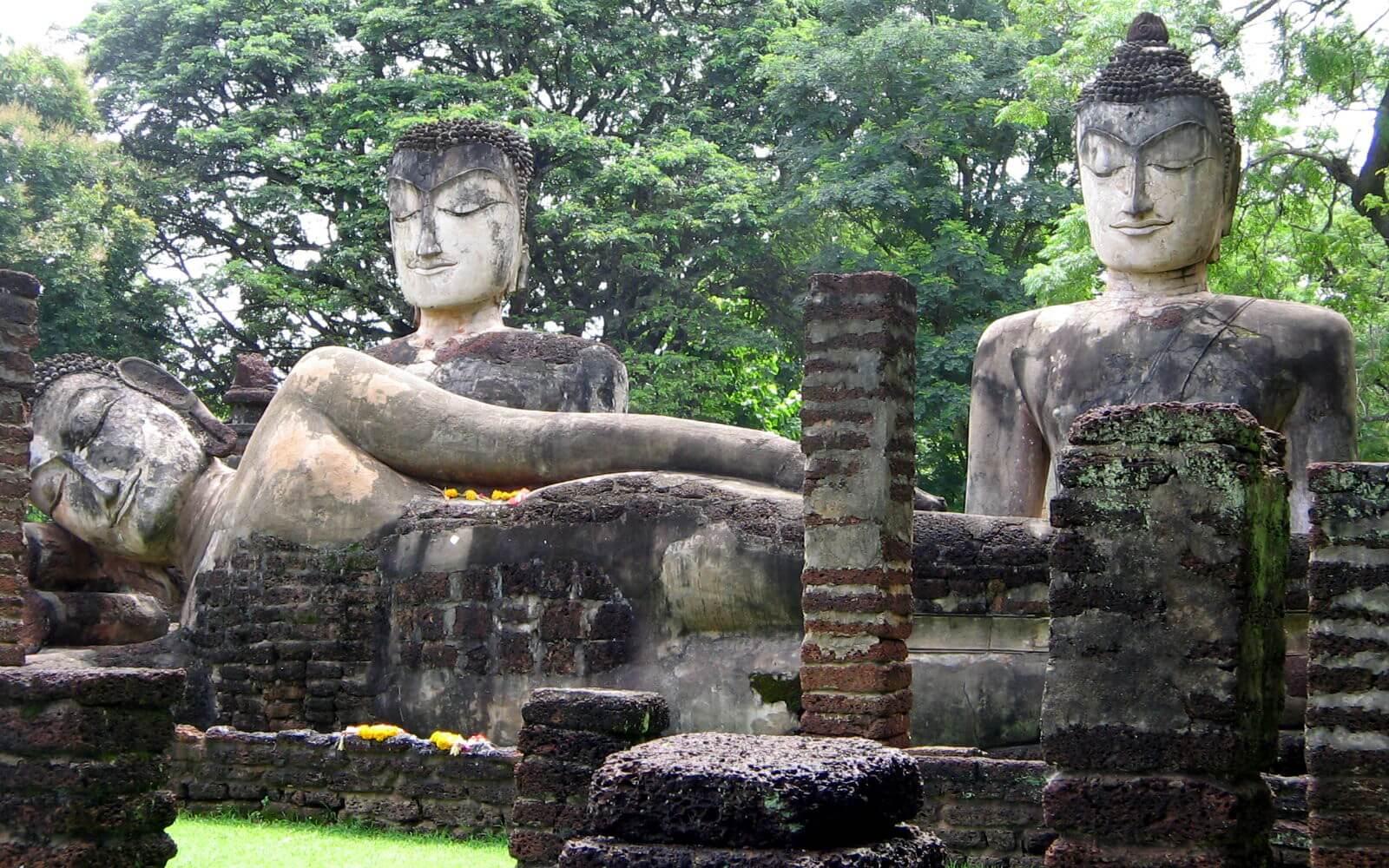 Buddhastatuen auf Sri Lanka
