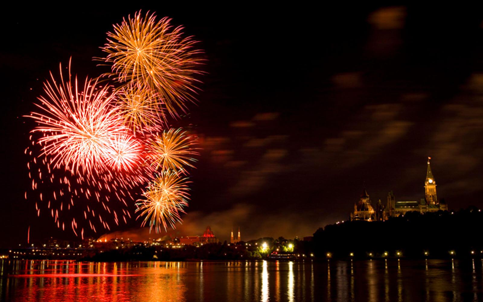 Feuerwerk am Parliament Hill