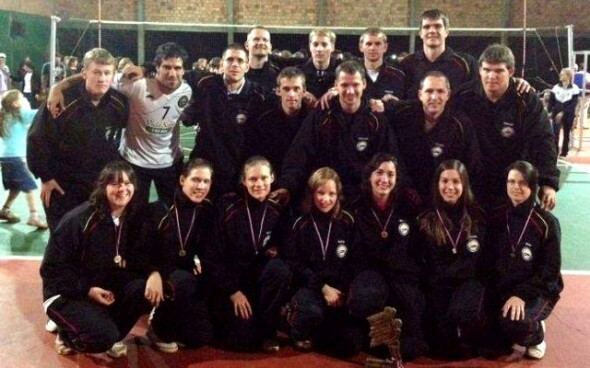"""Freiwilligenarbeit: Volleyballmannschaft """"Volley Concordia"""" in Tres Palmas"""