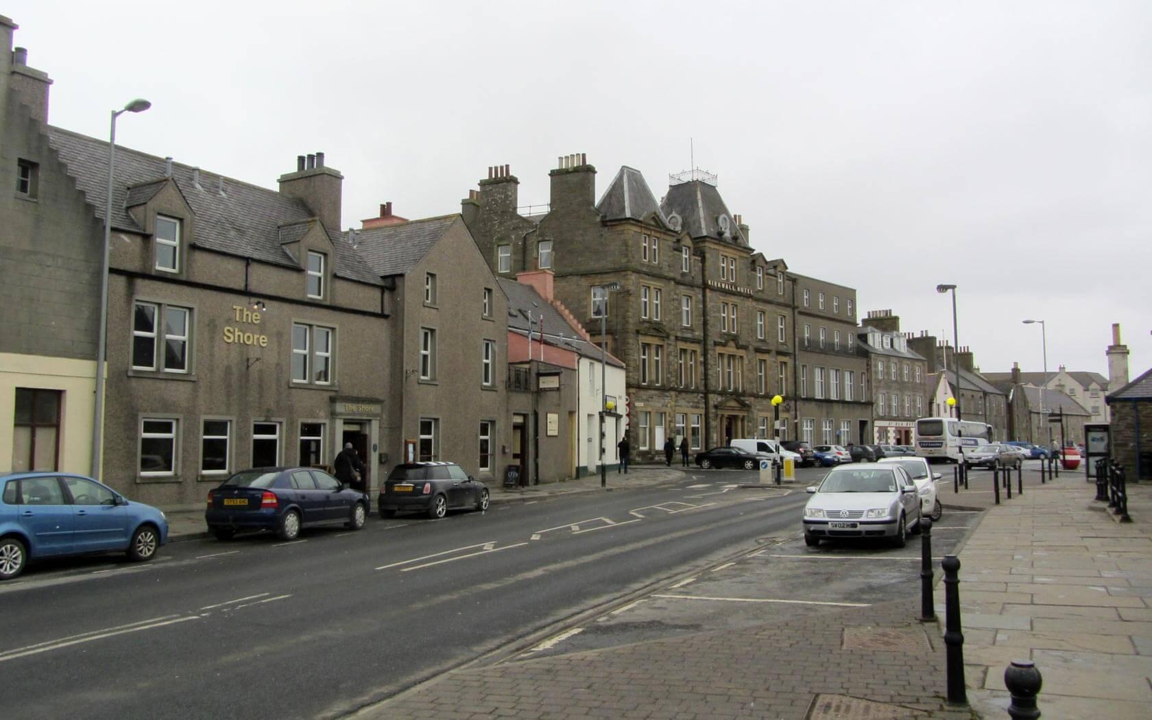 Shetland Reisebericht: Die Hafenstraße Kirkwall