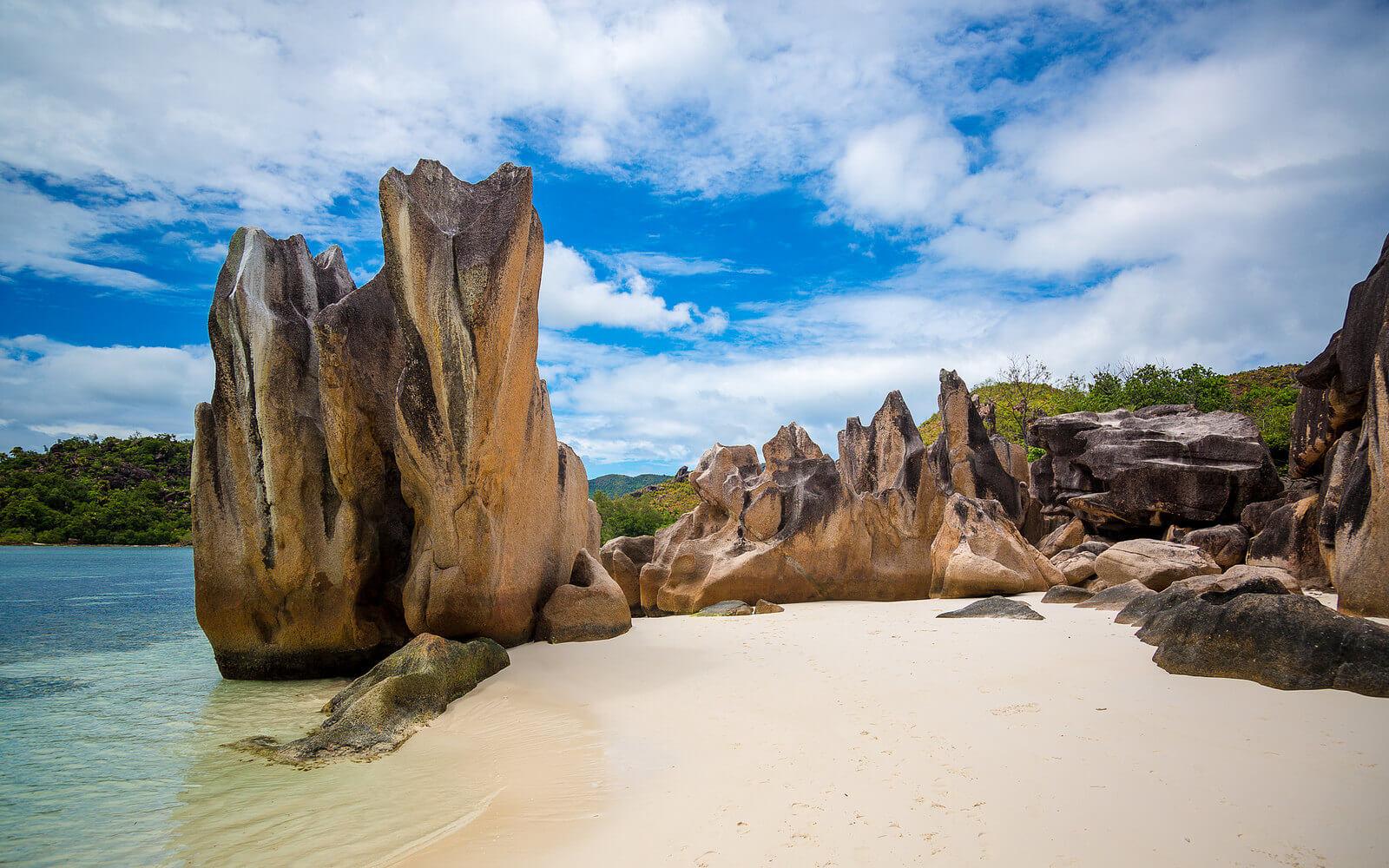 Wunderschöner Strand auf den Seychellen