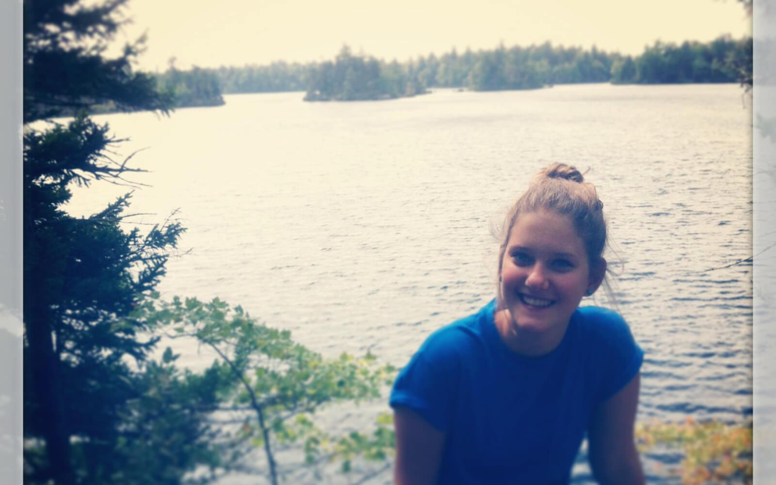 Lena genießt die See-Idylle