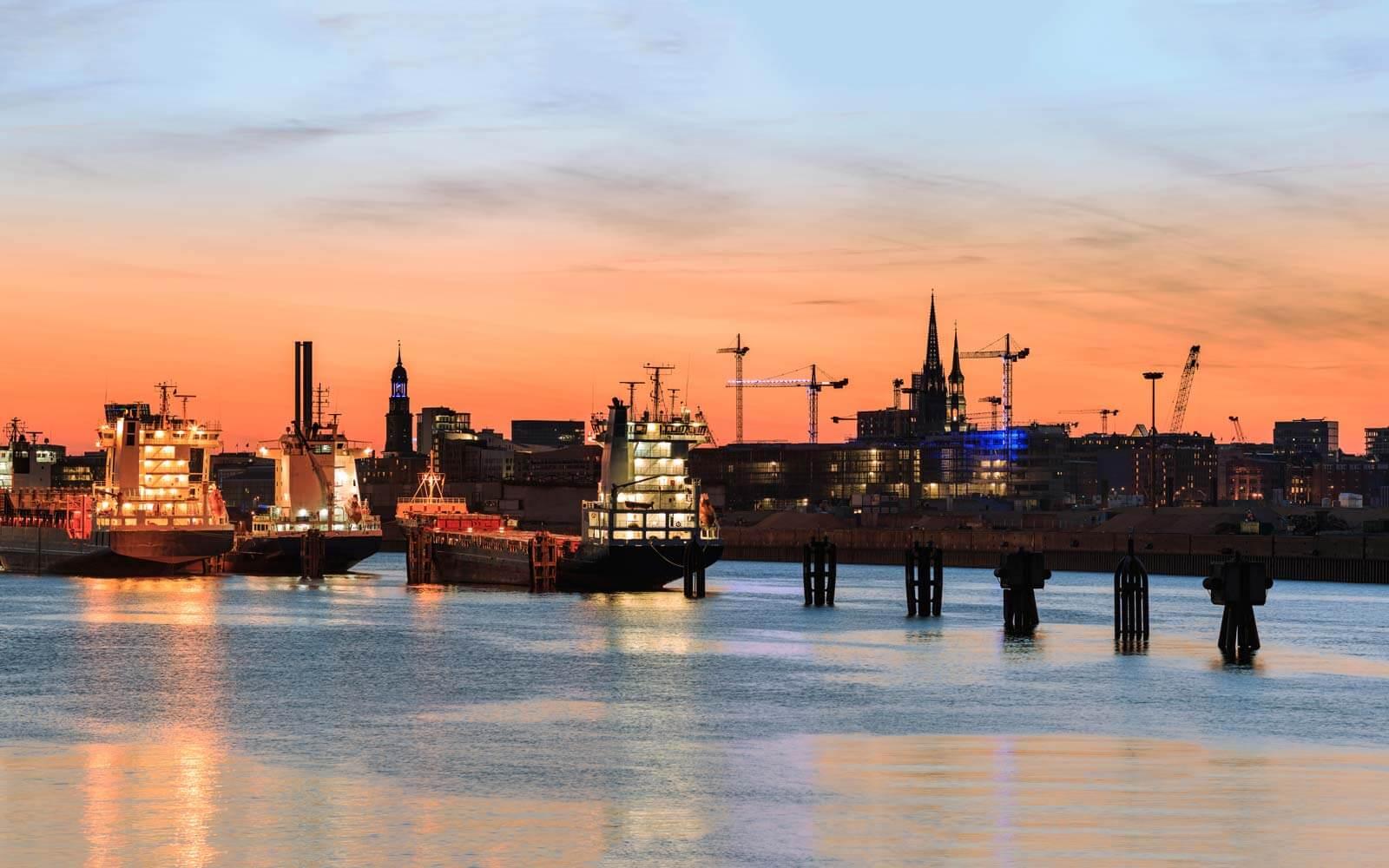 Hamburg: Hafen Skyline