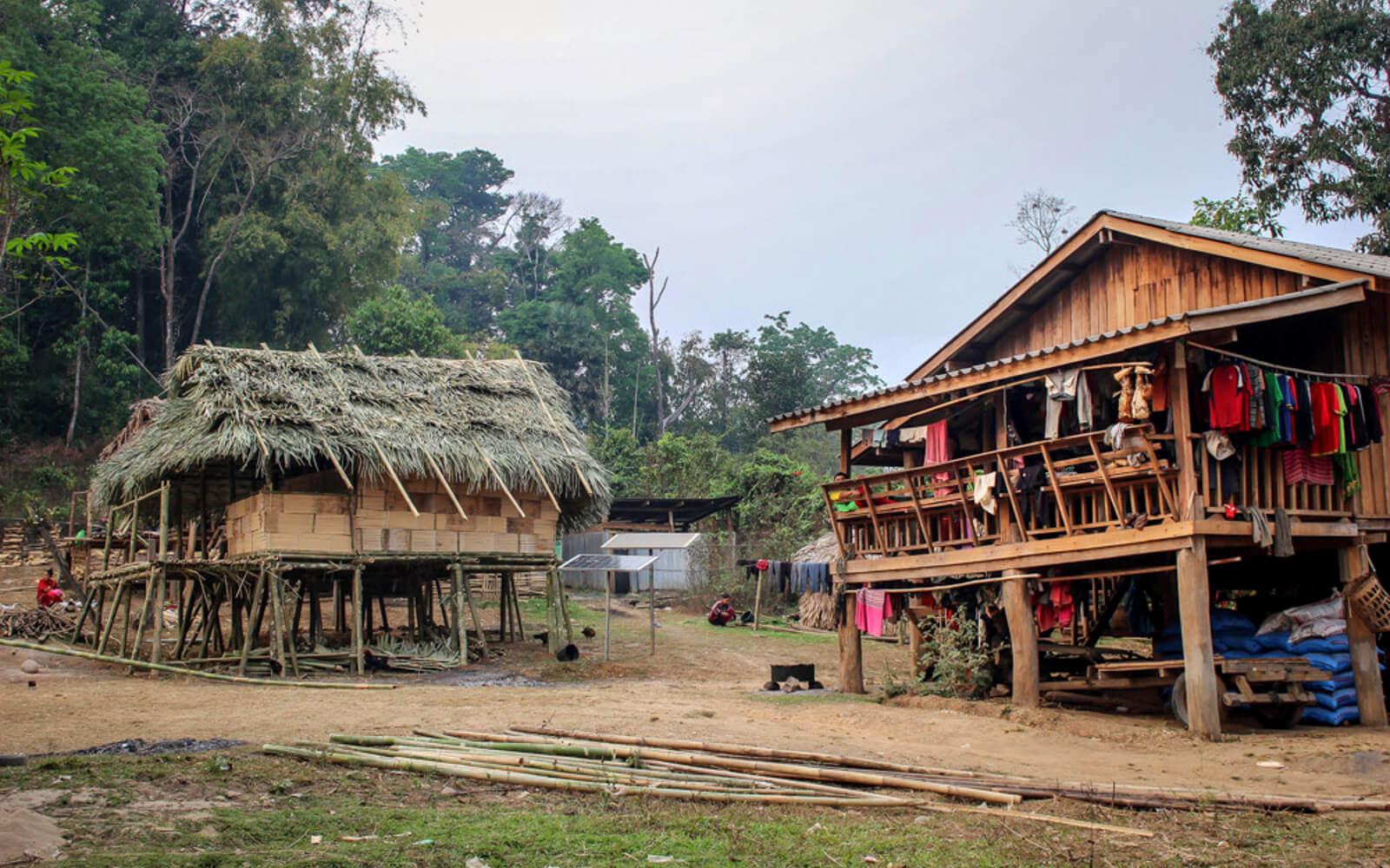 Häuser auf Stelzen in Thailand