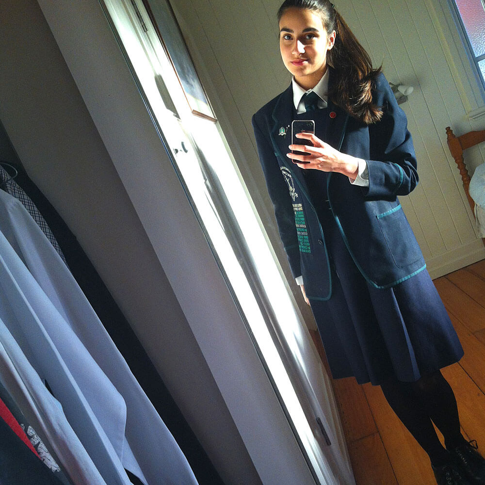 Vincenza in Schuluniform