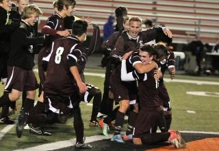 News: High School-Teilnehmer Josua wird zum Fußballheld seiner Schule