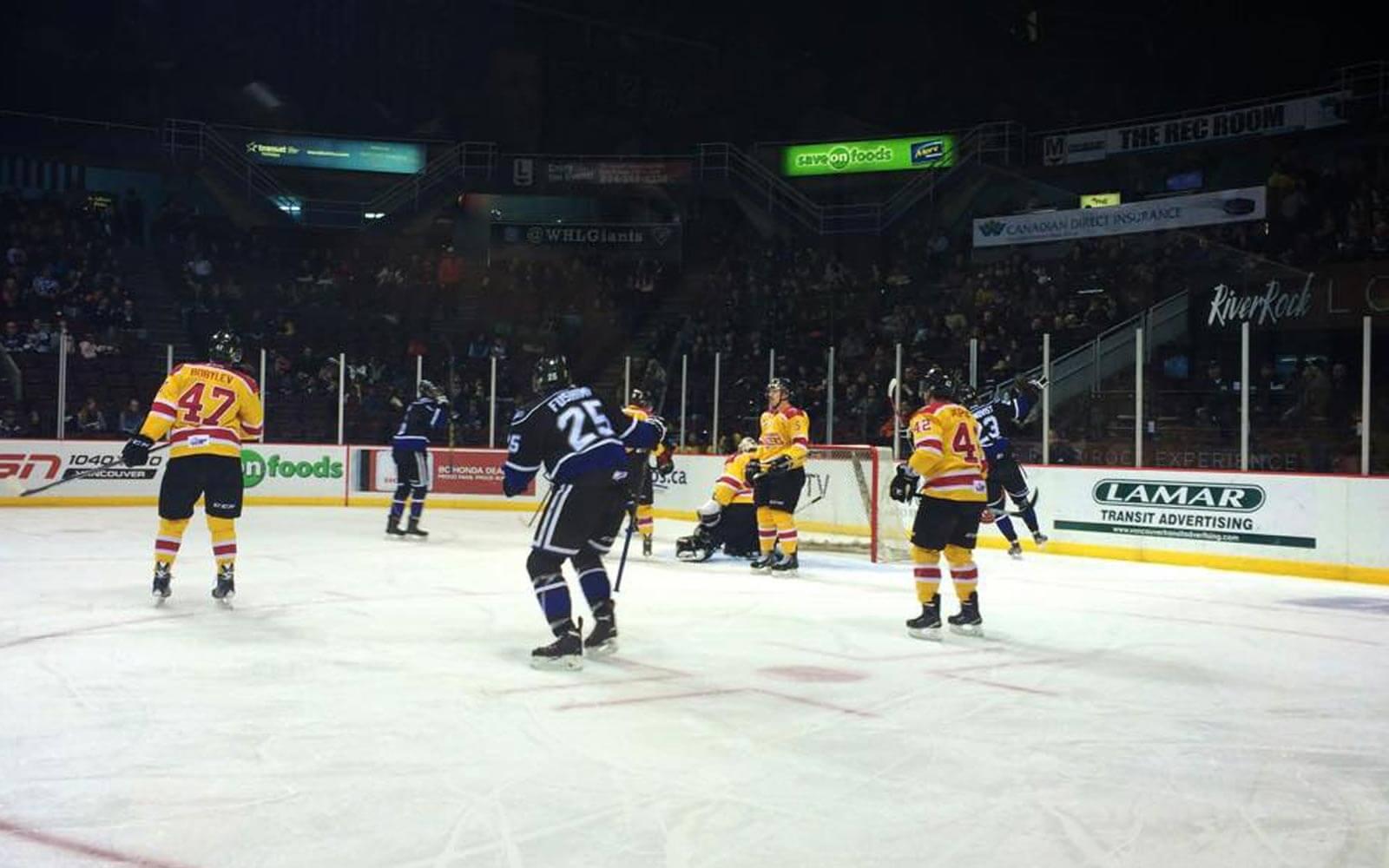 alina-in-kanada-eishockey