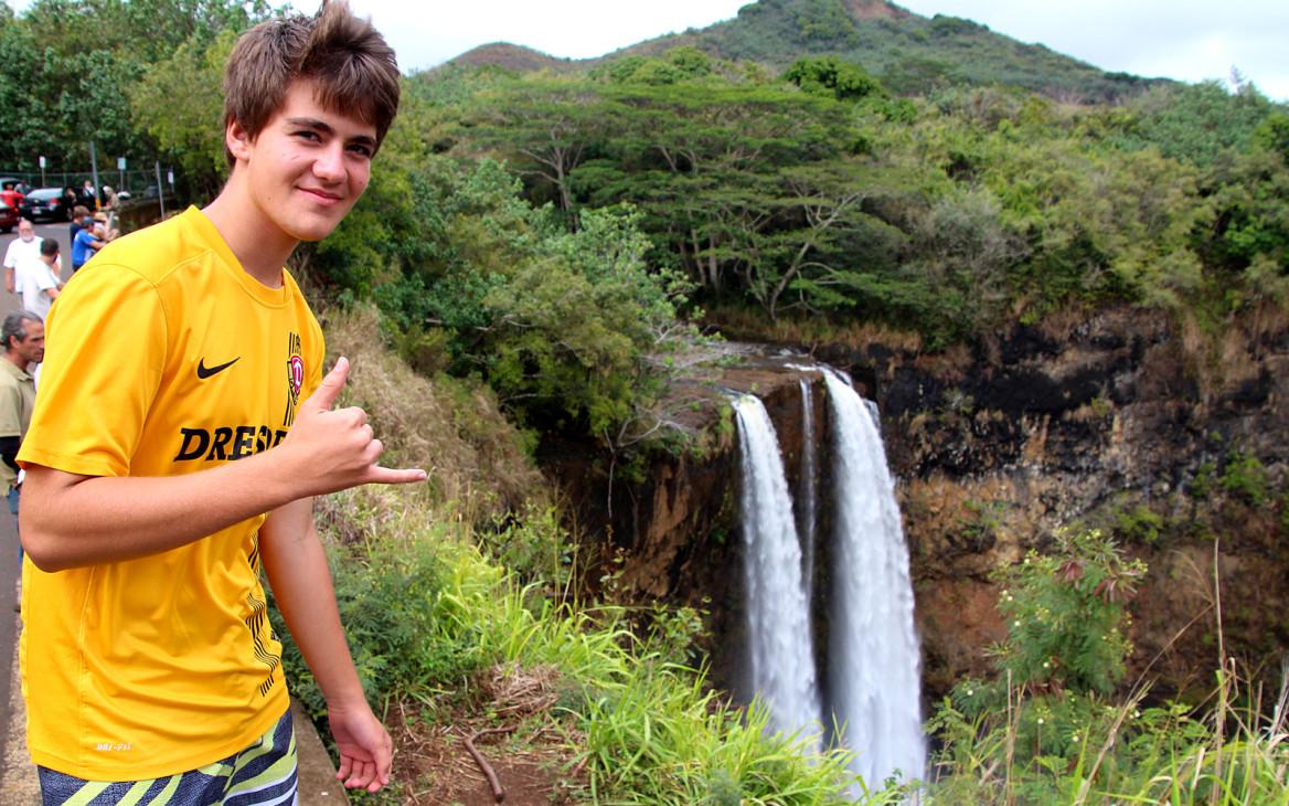 High School Hawaii: Max im Aloha State