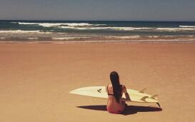 Nicole mit Surfbrett