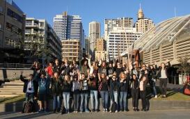 Austauschschüler am Darling Harbour