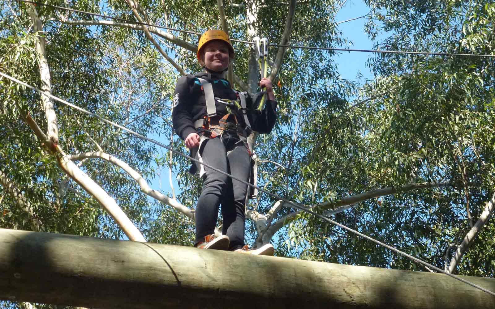 Stipendiatin Lara geht klettern