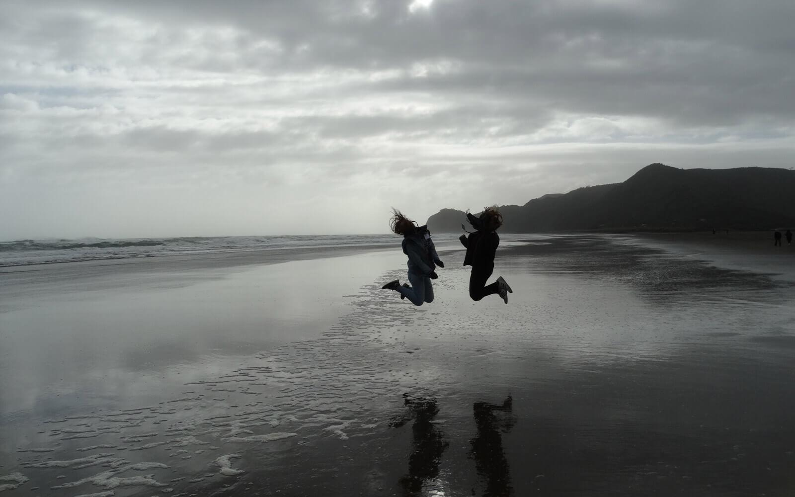 Myrna am Piha Beach