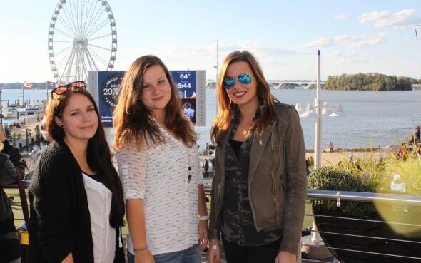 Sabrina und Freundinnen in Santa Monica
