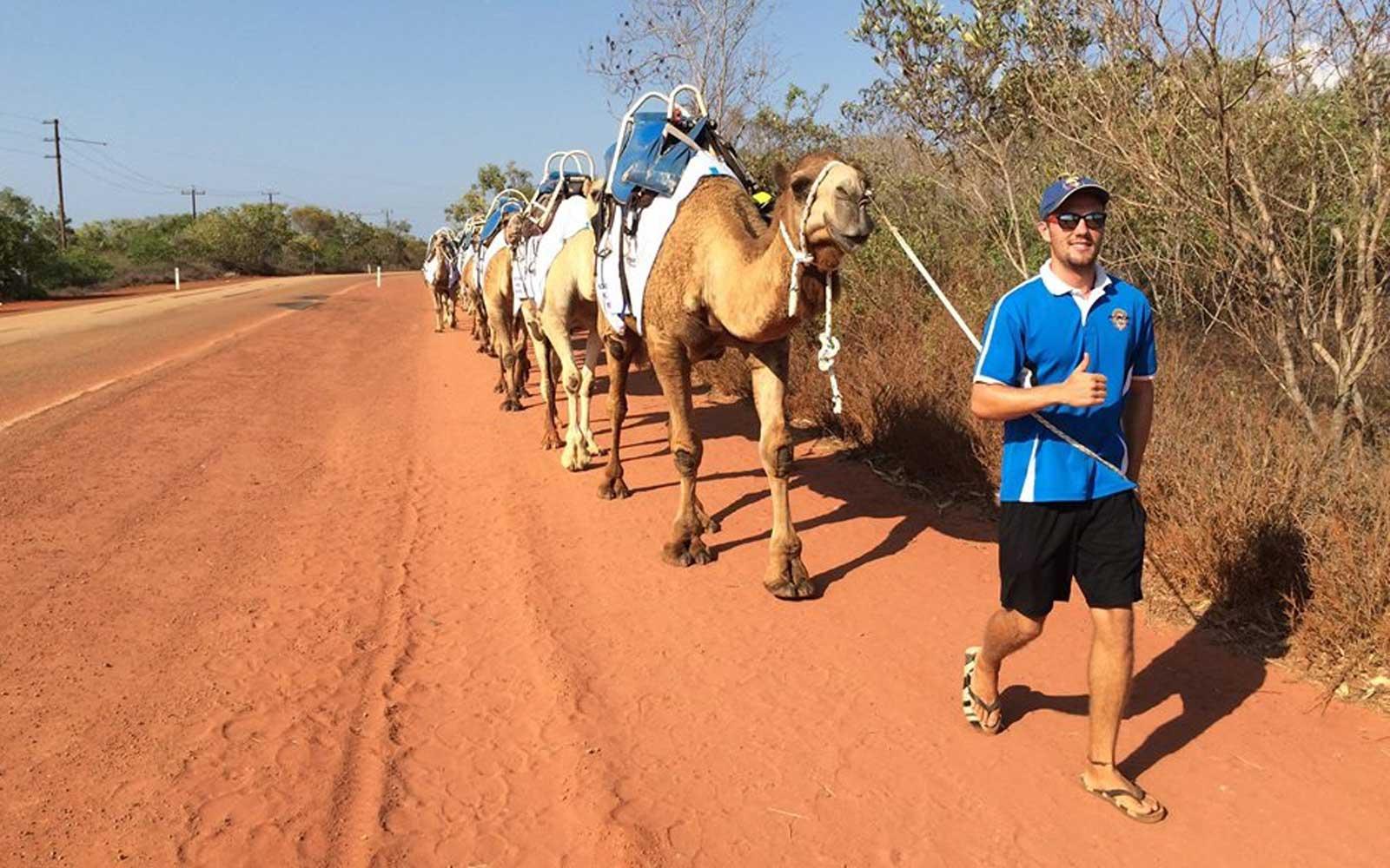 Dominik als australischer Kamelführer