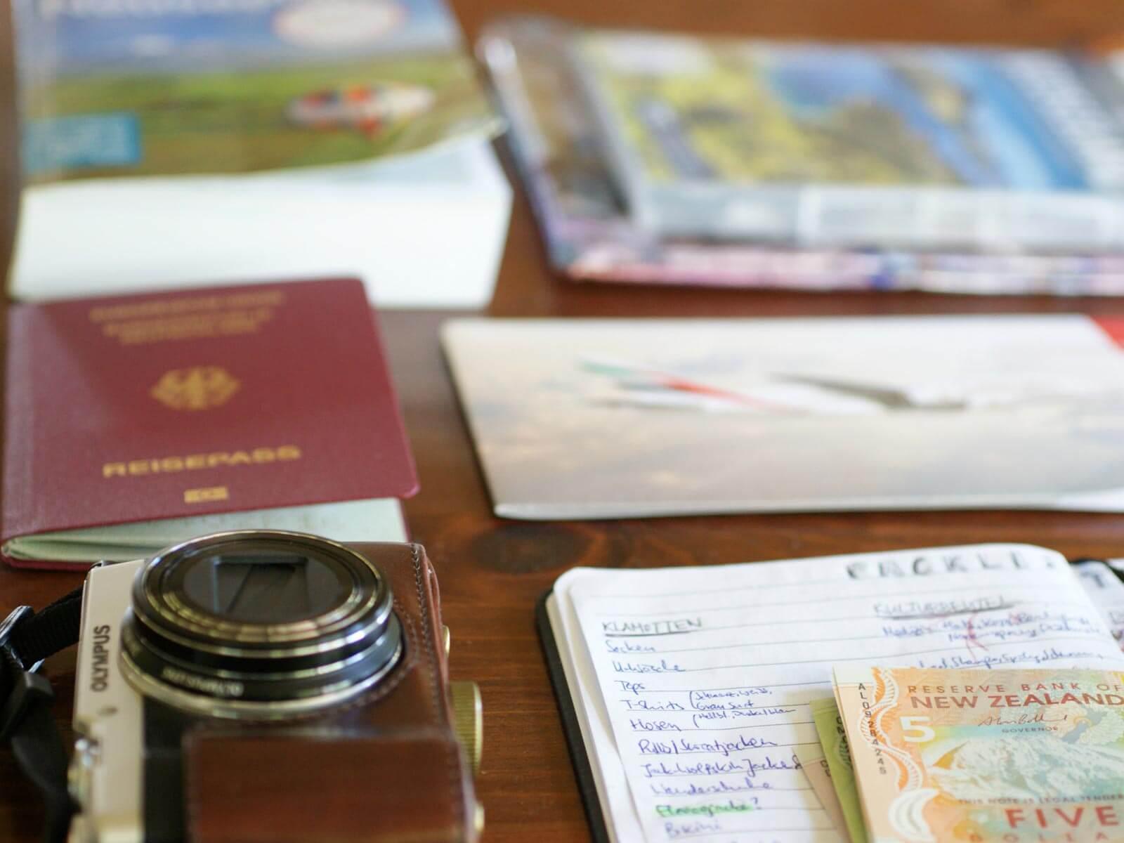 Reisepass, Kamera und Co. von Annie