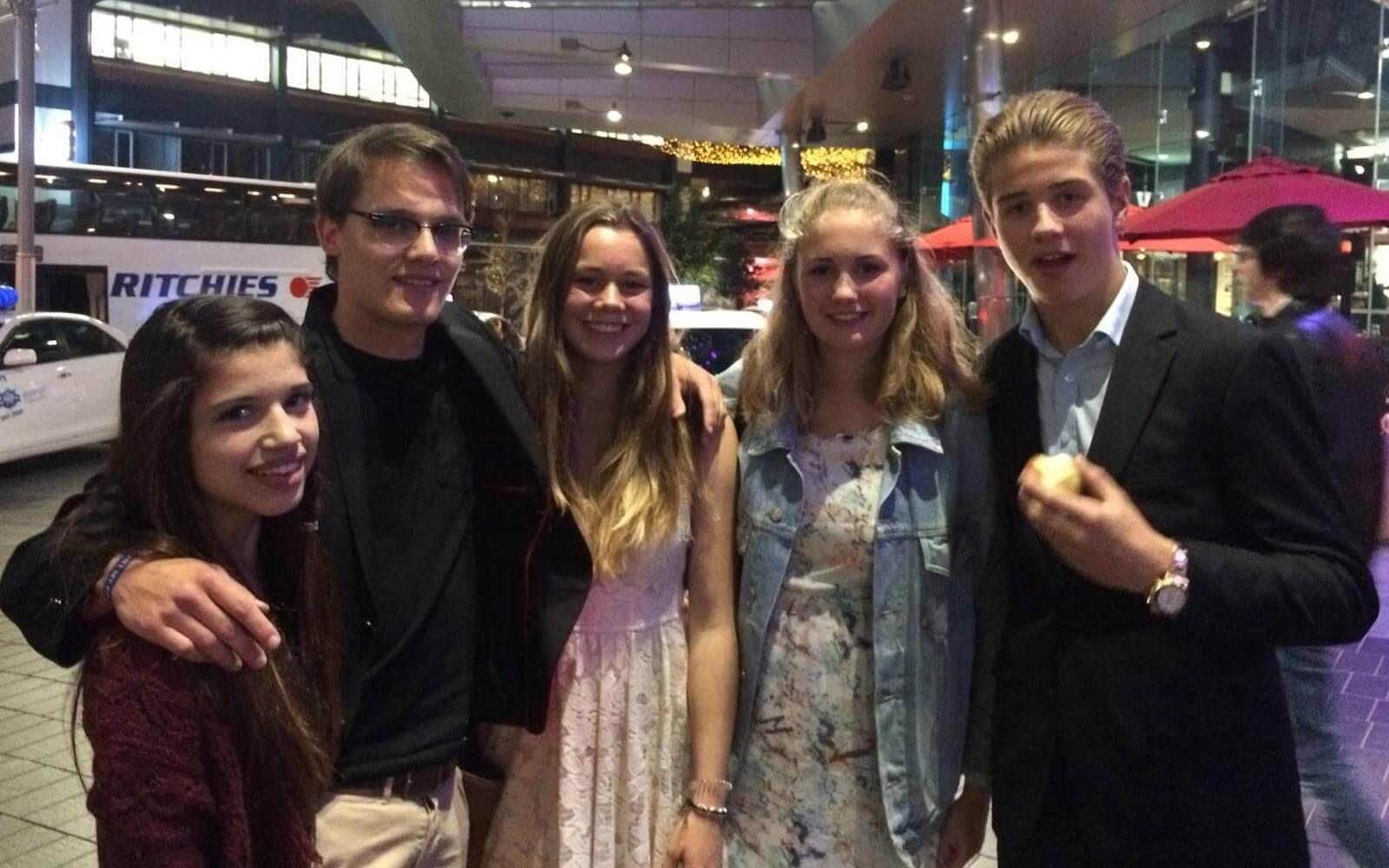 Stepin-Stipendiatin Miriam und andere Internationals beim Leavers Dinner in Neuseeland