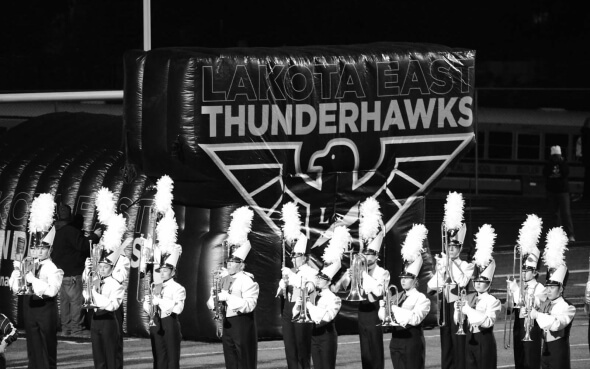 Blaskapelle des Lakota East Thunderhawks-Footballteams