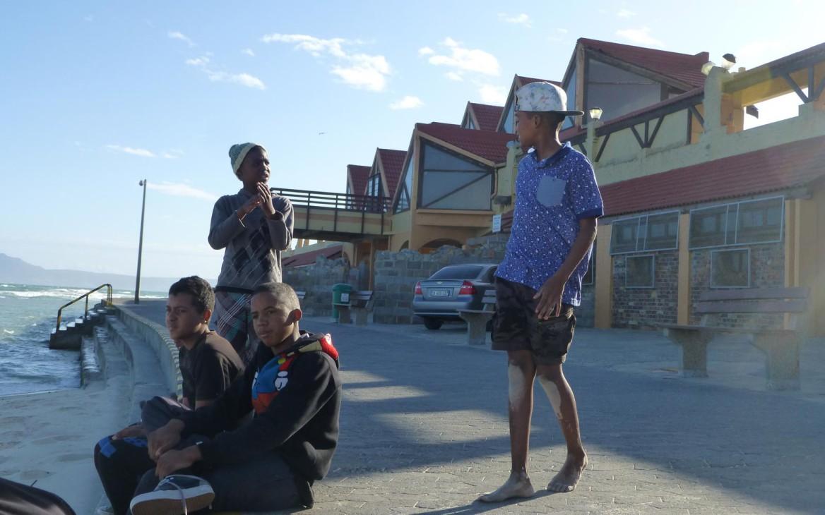 Laras Amazing Race #6: Making Waves – Surfen in Kapstadt