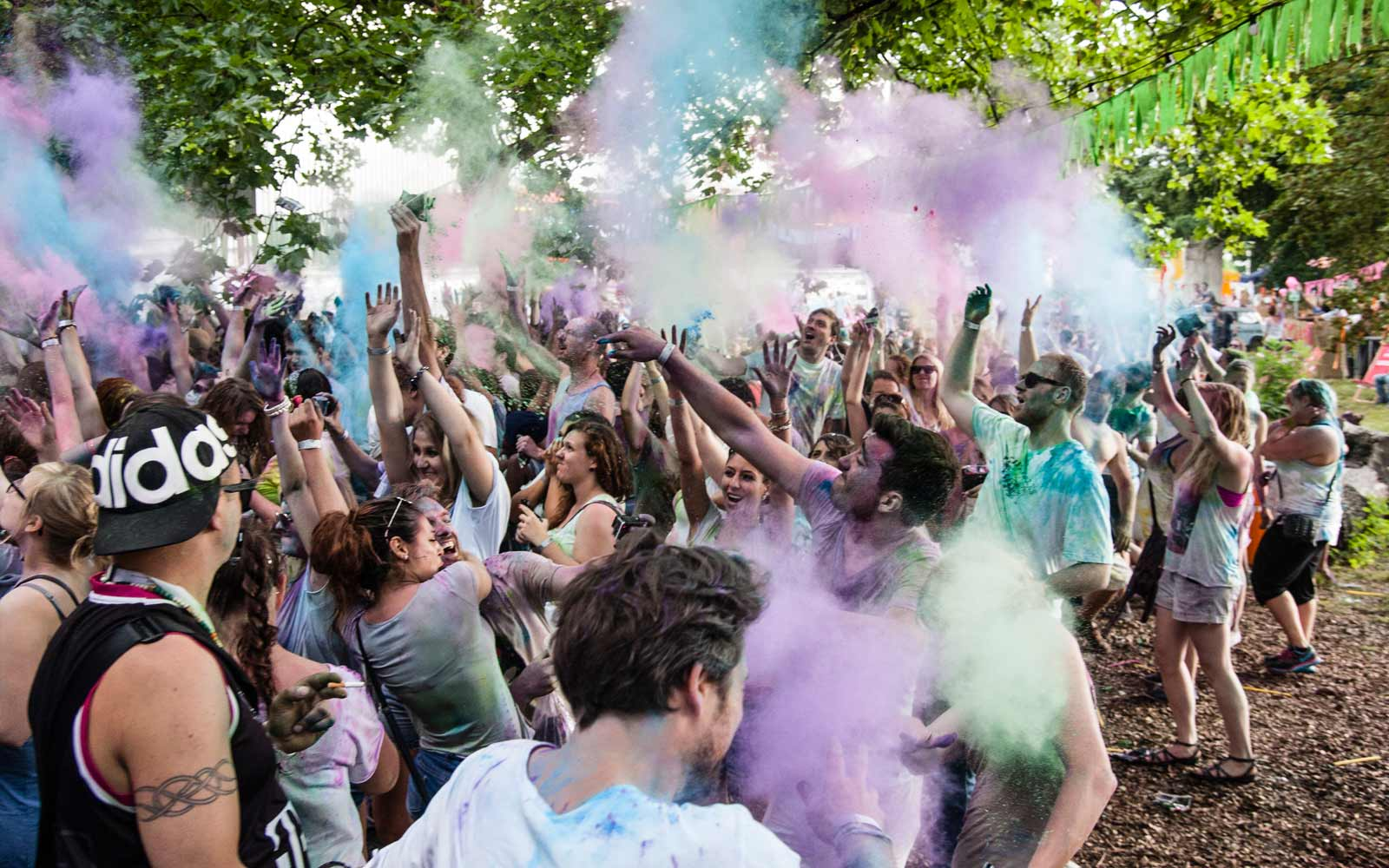Farbschlacht beim Holi Colors Festival