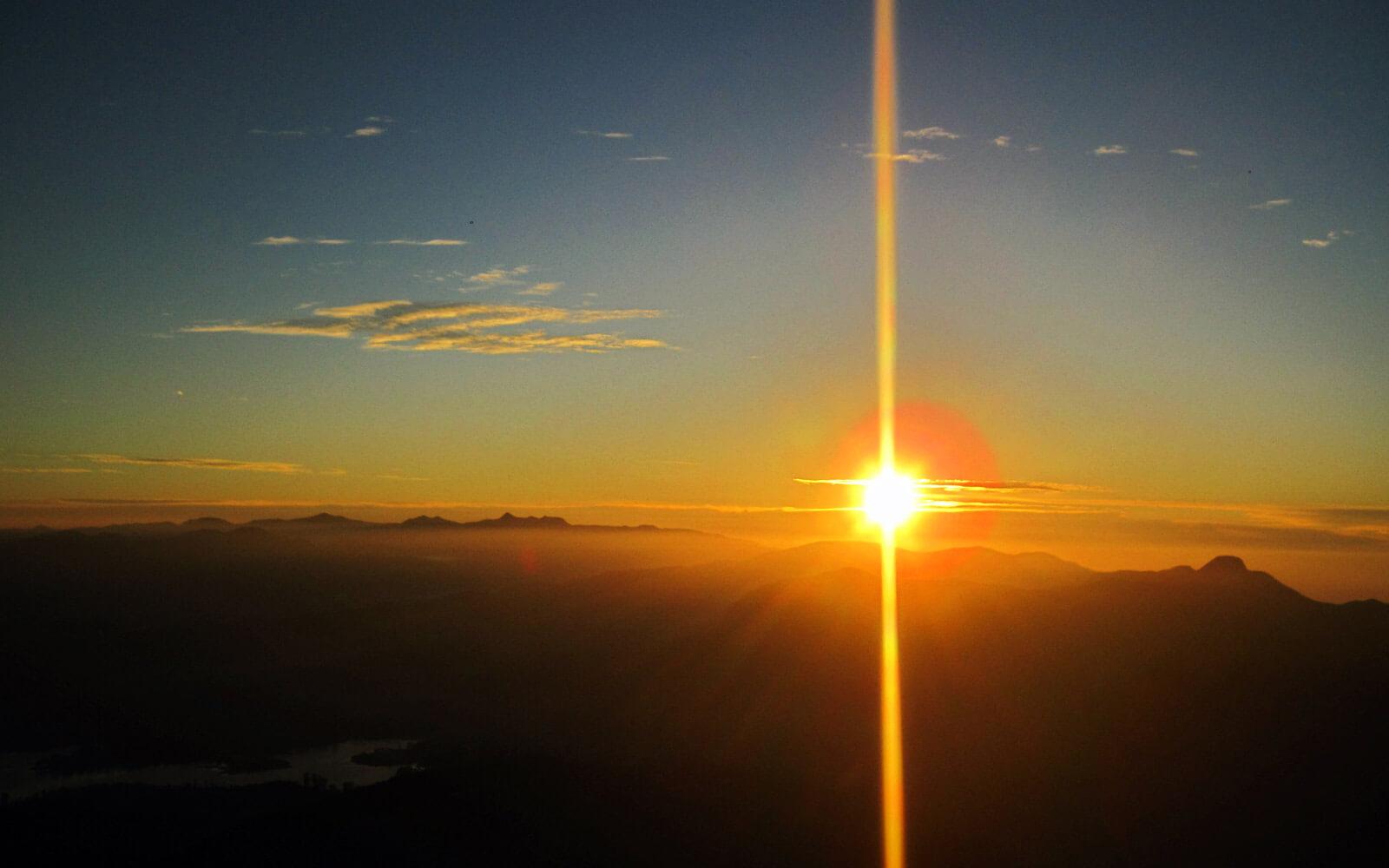 Sonnenaufgang Adam's Peak Sri Lanka