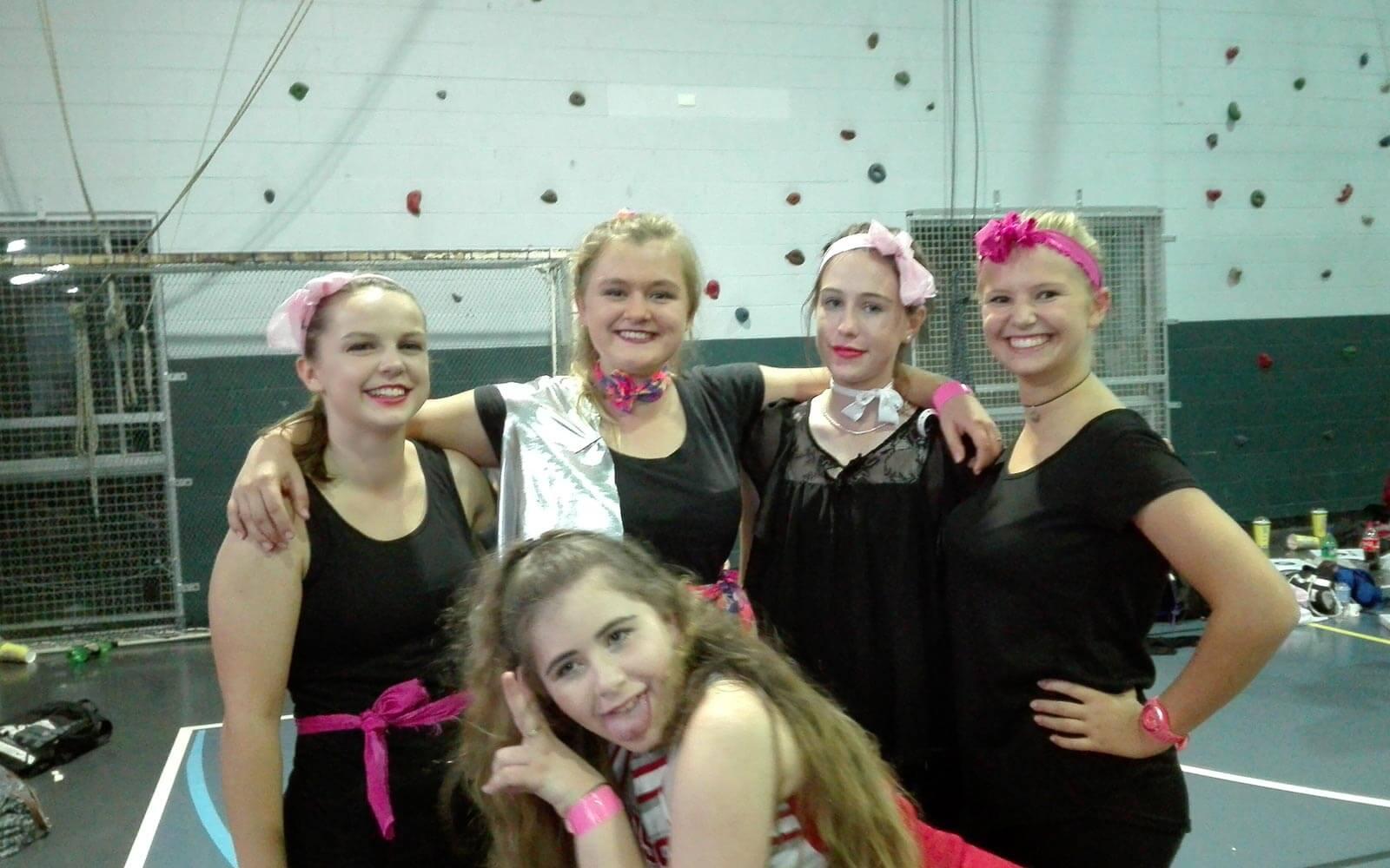 Dance Night: Lena und ihre Freundinnen