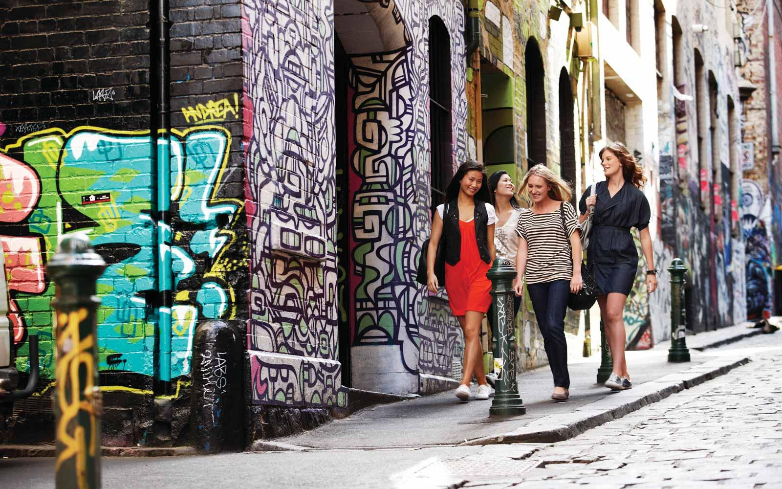 Fußgängerzone mit Street Art in Melbourne