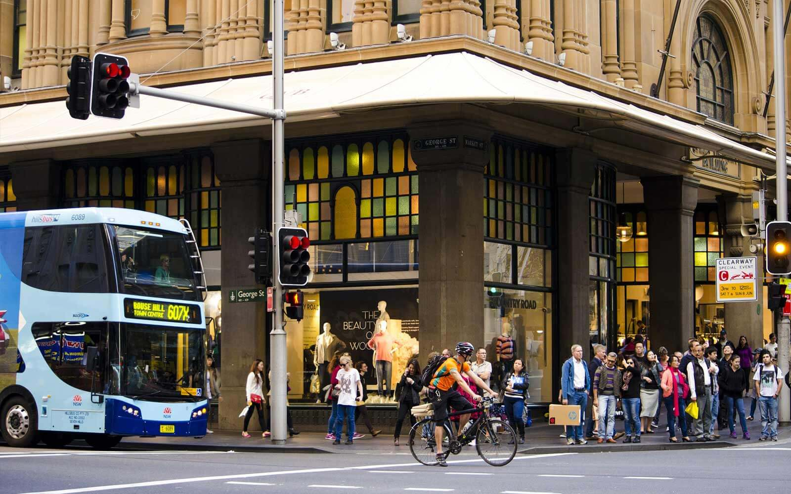 Verkehr an der George Street in Sydney