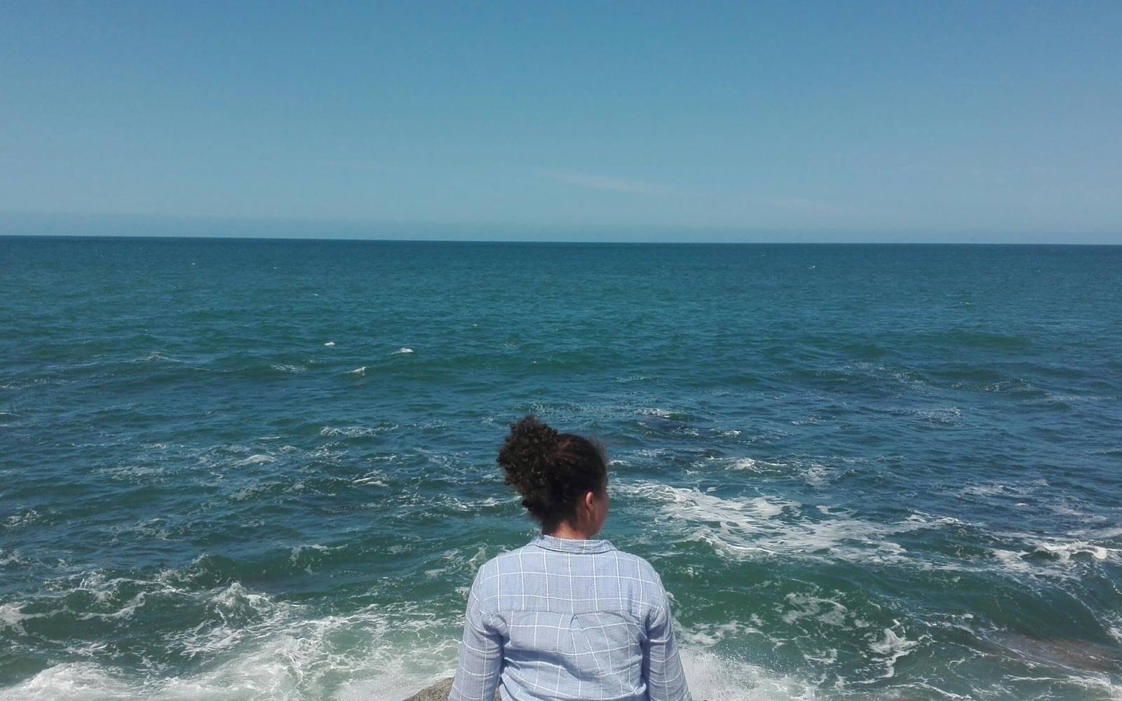 Fabienne am Meer in Australien