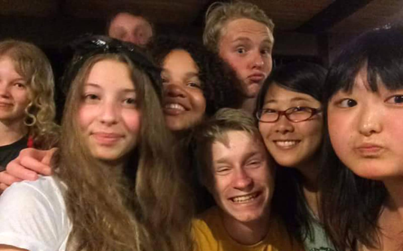 Fabienne und ihre internationalen Freunde in Cairns