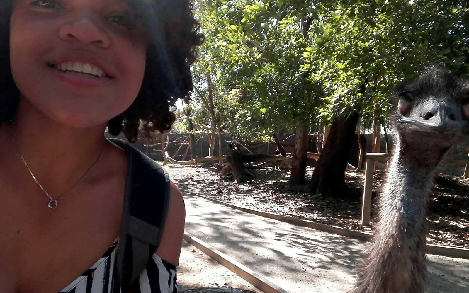 Fabienne und ein Emu