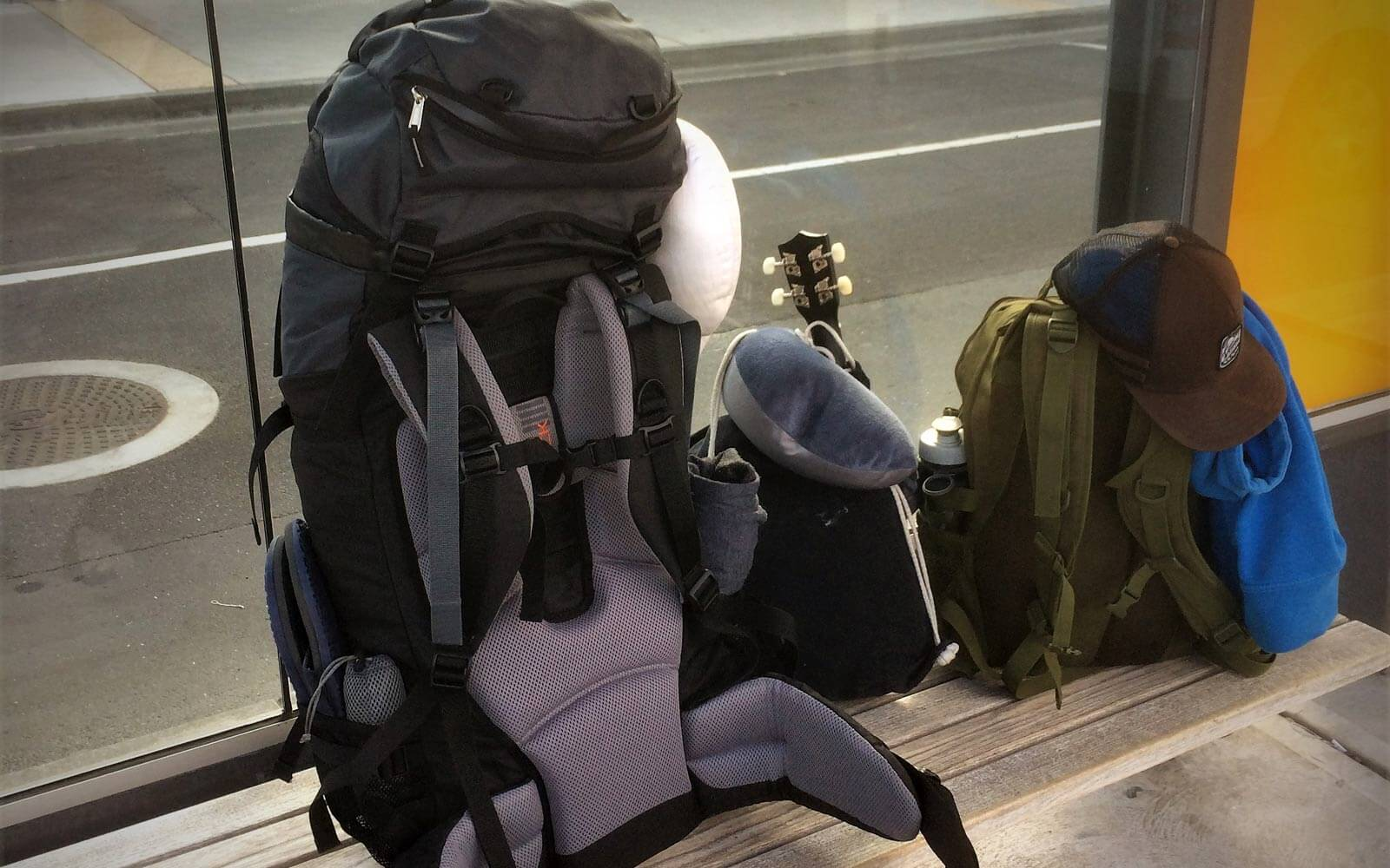 Max Backpack am Flughafen Hobart