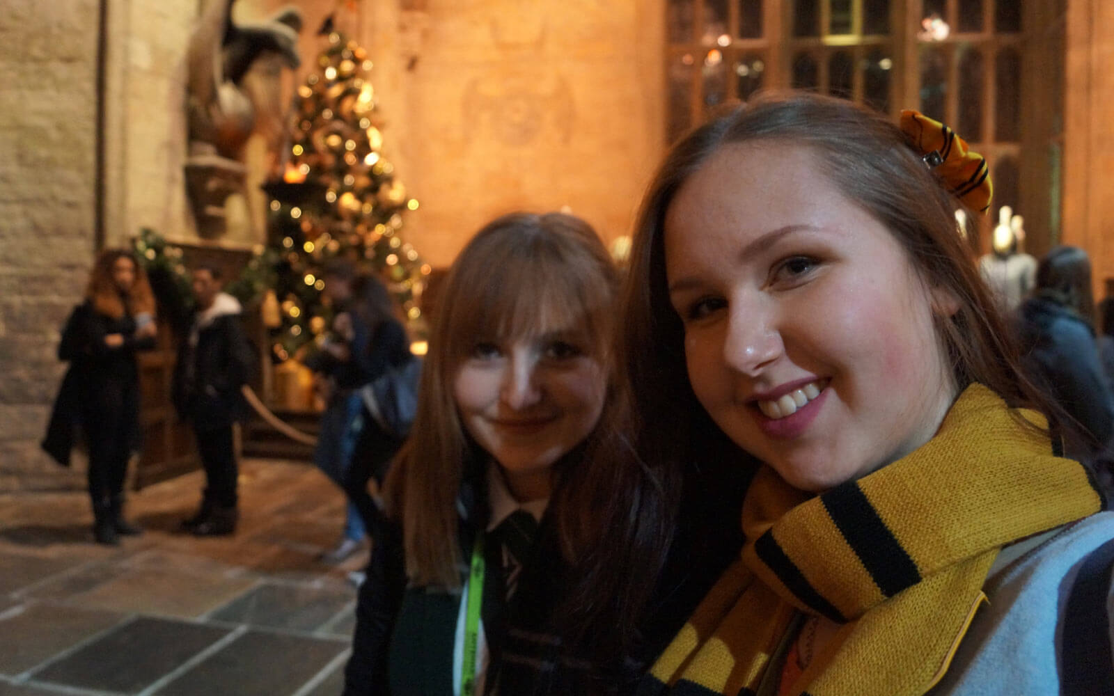 Theres und ihre Freundin bei der Harry Potter Studio-Tour in London